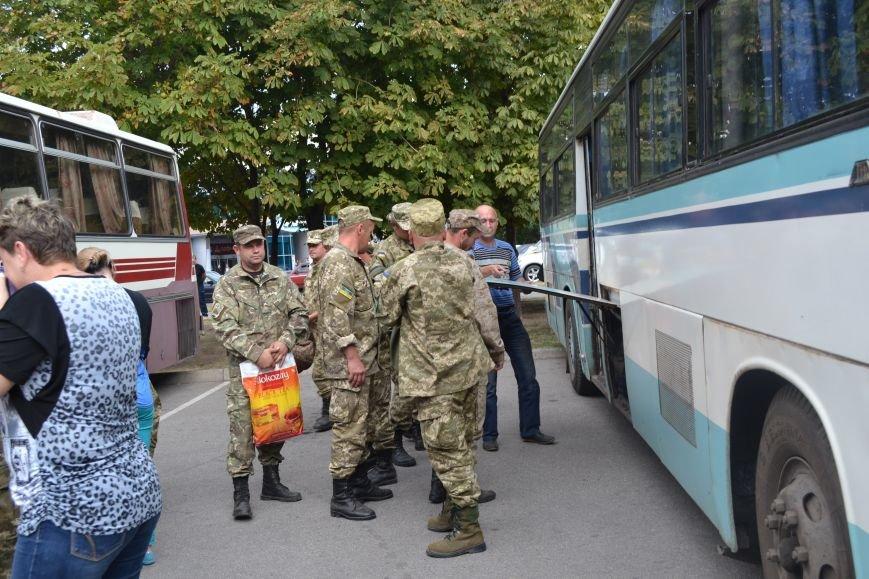 Более 100 демобилизованных бойцов 17 бригады прибыли в Кривой Рог и привезли с собой «донецких» (ФОТО), фото-7