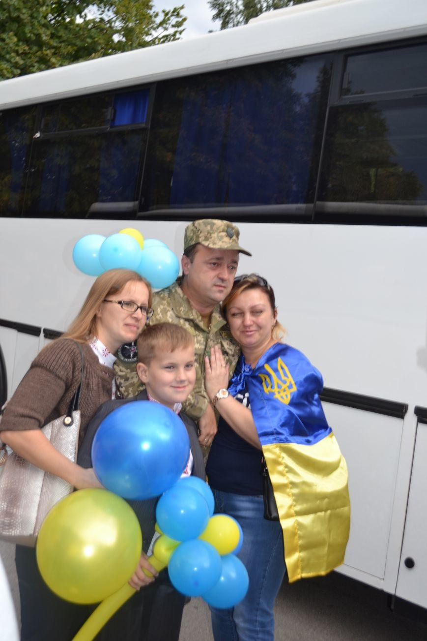 Более 100 демобилизованных бойцов 17 бригады прибыли в Кривой Рог и привезли с собой «донецких» (ФОТО), фото-8
