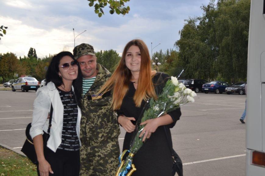 Более 100 демобилизованных бойцов 17 бригады прибыли в Кривой Рог и привезли с собой «донецких» (ФОТО), фото-10