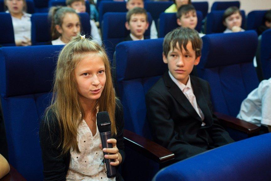 Детский писатель Дмитрий Емец встреча с читателями