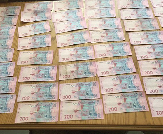 В Днепропетровской области налоговика поймали на взятке в 20 тыс. грн. (фото) - фото 4