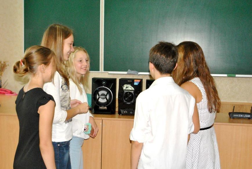 Меценат Александр Богуслаев сделал музыкальный подарок запорожской школе (фото) - фото 4