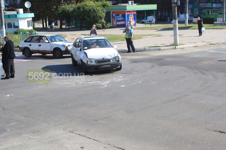 В Днепродзержинске в очередном ДТП на «Дружбе» пострадало 2 человека (Дополнено), фото-2