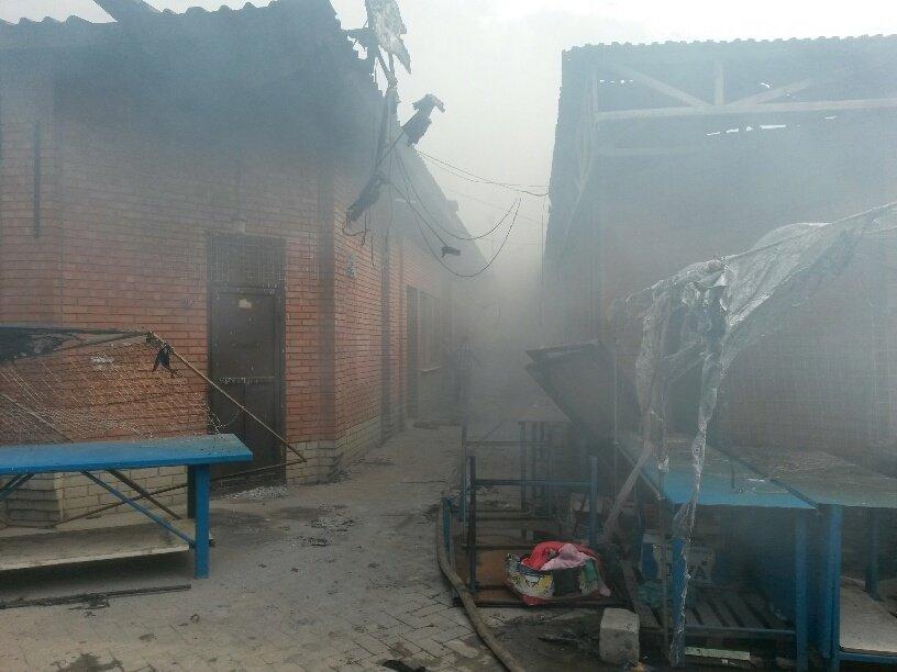 В Мариуполе горит Киевский рынок (ФОТО+ВИДЕО+ДОПОЛНЕНО), фото-12
