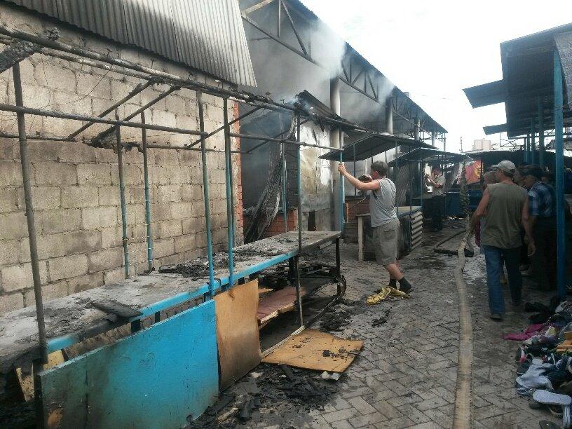 В Мариуполе горит Киевский рынок (ФОТО+ВИДЕО+ДОПОЛНЕНО), фото-11