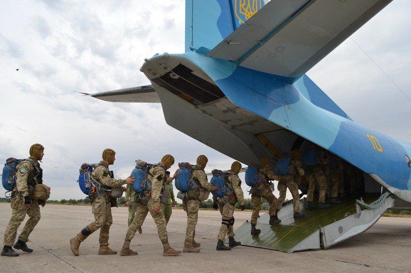 На Николаевщине морские авиаторы высадились на эсминец (ФОТО) (фото) - фото 1