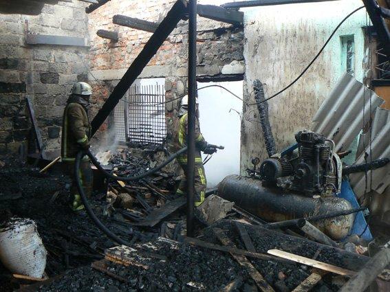 На Хмельниччині палав цех переробки деревини (Фото) (фото) - фото 2