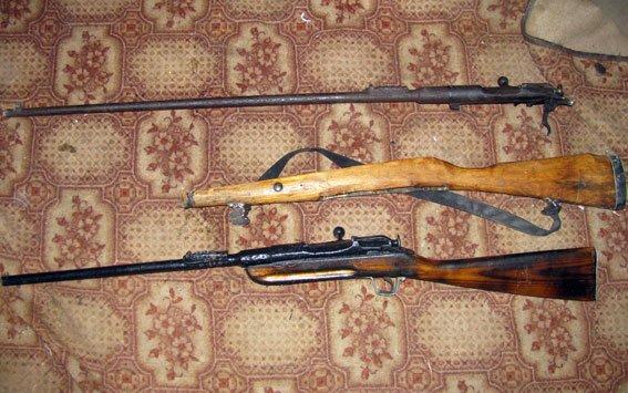 На Полтавщині чоловік вдома зберігав арсенал зброї (фото) - фото 2