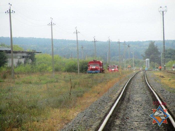 В Волковыске столкнулось два состава цистерн с горючем веществом (фото) - фото 6