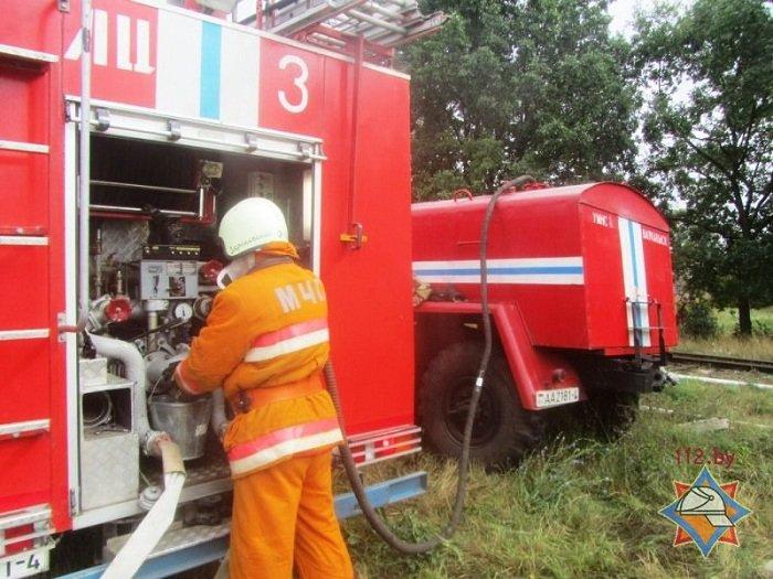 В Волковыске столкнулось два состава цистерн с горючем веществом (фото) - фото 8