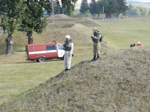 Палала база зберігання боєприпасів...умовно (фото) - фото 2