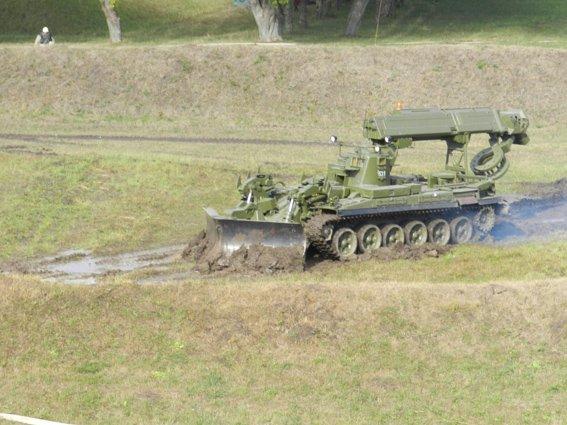 Палала база зберігання боєприпасів...умовно (фото) - фото 1