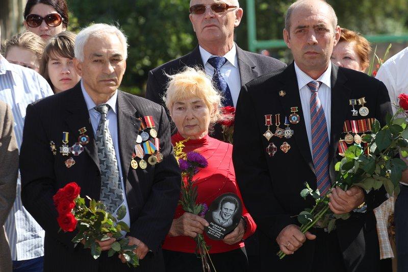 В годовщину открытия памятного знака героям Чернобыля в Днепропетровске прошел митинг (фото) - фото 7