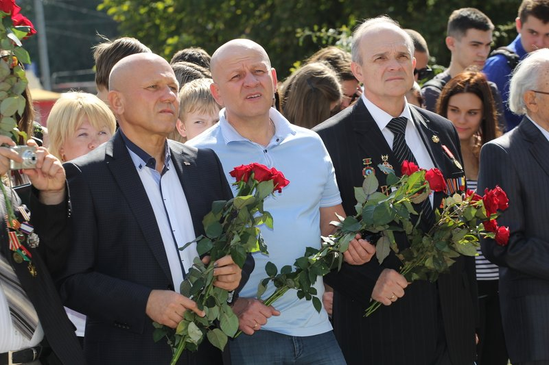 В годовщину открытия памятного знака героям Чернобыля в Днепропетровске прошел митинг (фото) - фото 5