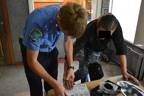 Николаевец ограбил несостоявшегося собутыльника-иностранца (ФОТО+ВИДЕО) (фото) - фото 4