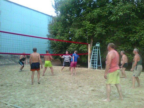 Красноармейская команда волейболистов начала подготовку к участию в III Европейских играх (фото) - фото 1