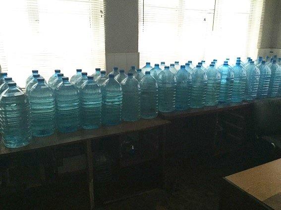 На Оболони милиция разоблачила подпольный цех по изготовлению водки (ФОТО, ВИДЕО) (фото) - фото 2