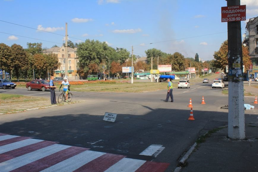 В Днепродзержинске водитель маршрутки насмерть сбил велосипедиста (фото) - фото 4