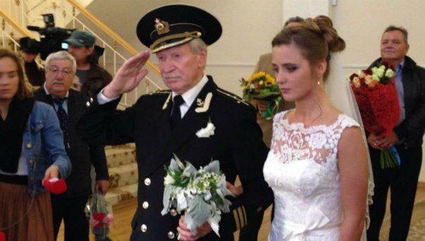 24-летняя крымчанка вышла замуж за 84-летнего российского актера Ивана Краско (ФОТО, ВИДЕО) (фото) - фото 1