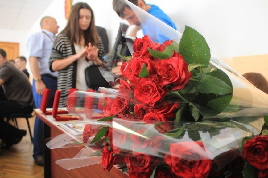 Днепродзержинских спортсменов поздравили с Днем физической культуры и спорта (фото) - фото 2