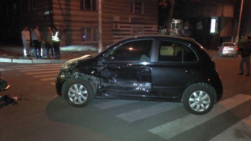 ДТП в Днепропетровске: столкнулись Тойота и Ниссан (ФОТО) (фото) - фото 4