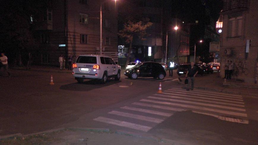 ДТП в Днепропетровске: столкнулись Тойота и Ниссан (ФОТО) (фото) - фото 2