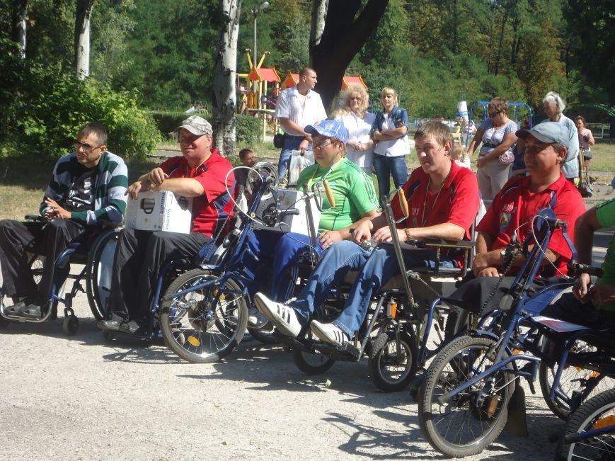 «Для меня этот спорт – глоток воздуха»: в Красноармейске прошли соревнования для людей с ограниченными возможностями (фото) - фото 4