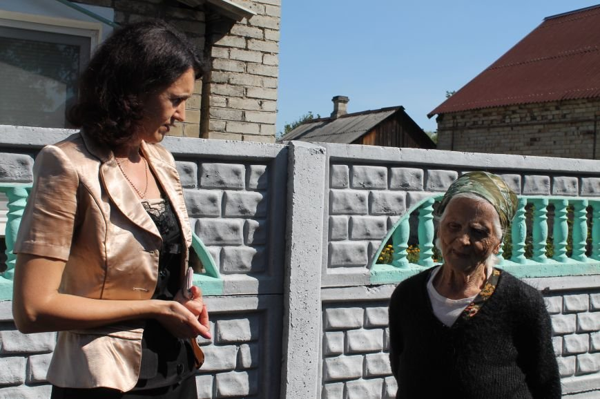 Мэр Артемовска сдержал свое слово перед часовоярской старушкой, фото-1
