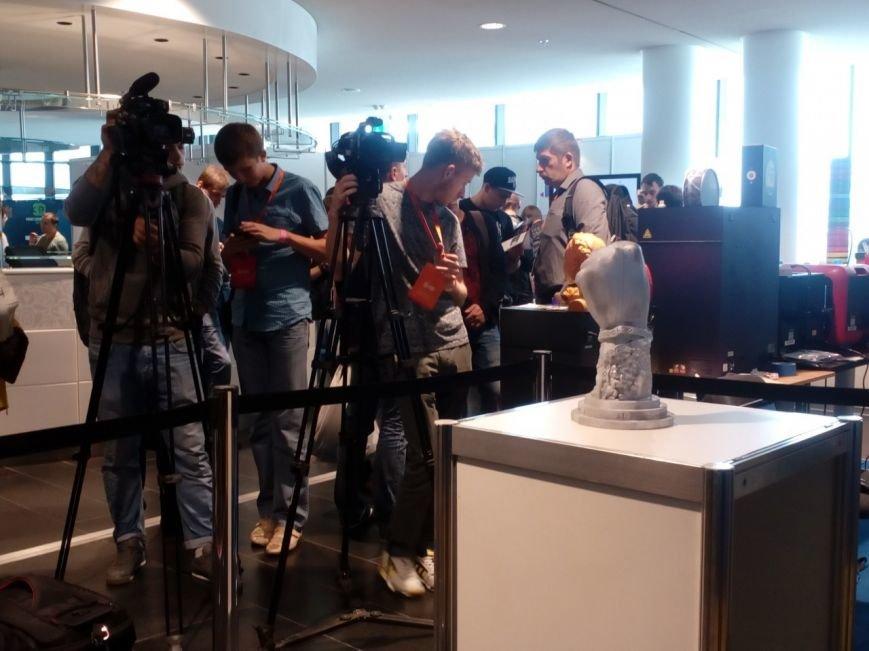 В Киеве презентовали макет памятника Небесной сотни (ФОТО) (фото) - фото 3