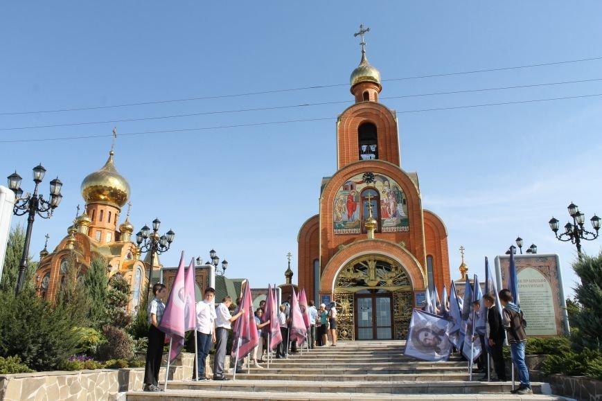 В Свято-Покровском храме с. Боевое прихожане торжественно встретили святыню, фото-1