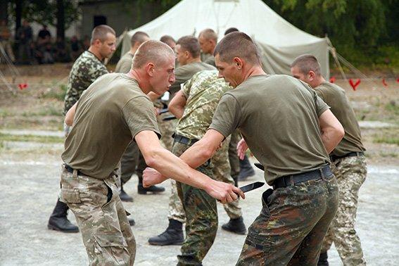 Відпрацювання навичок перед від'їздом у АТО провели бійці Нацгвардії (Фото) (фото) - фото 5