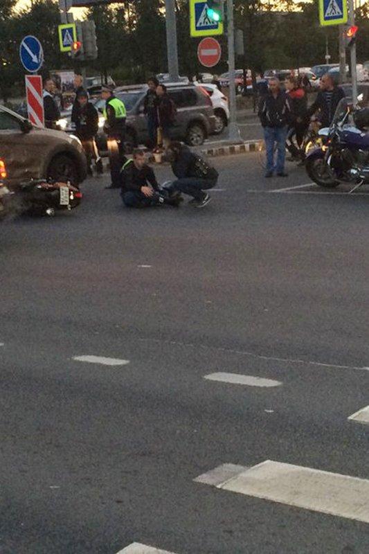 Проигнорировав запрещенный поворот налево, водитель стал причиной серьезной аварии в Пушкине, фото-1