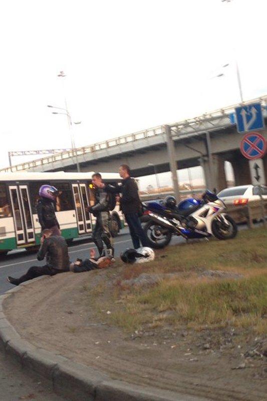 Проигнорировав запрещенный поворот налево, водитель стал причиной серьезной аварии в Пушкине, фото-2