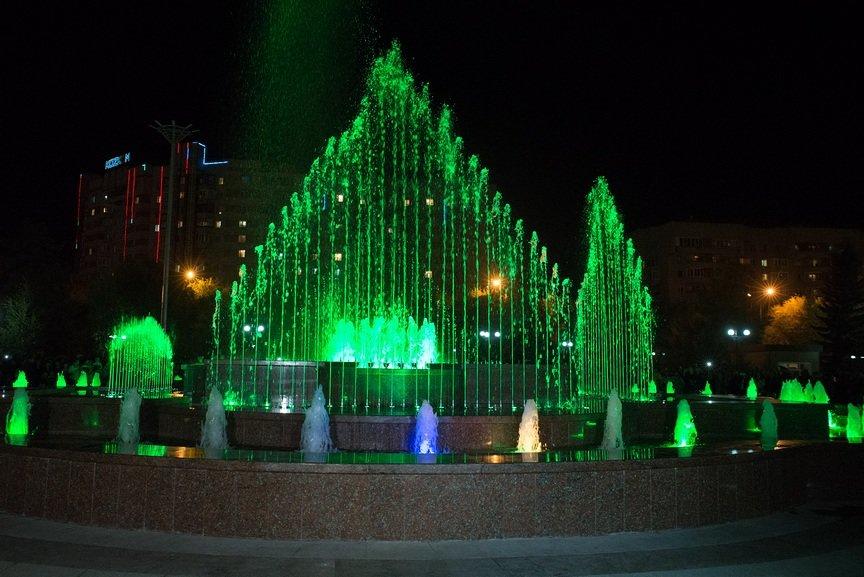 Открытие фонтана в Усть-Каменогорске