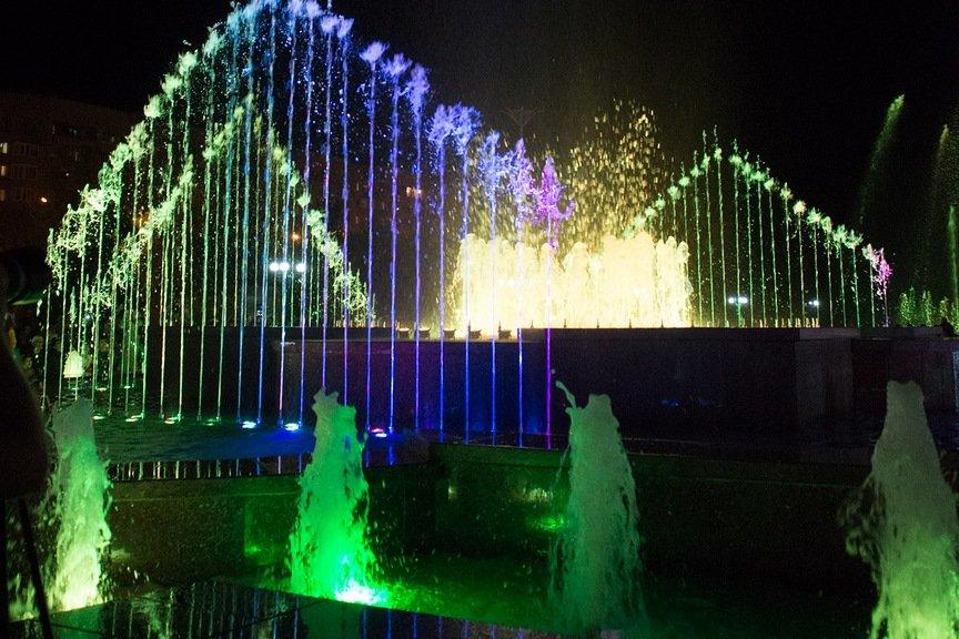 Поющий фонтан в Усть-Каменогорске