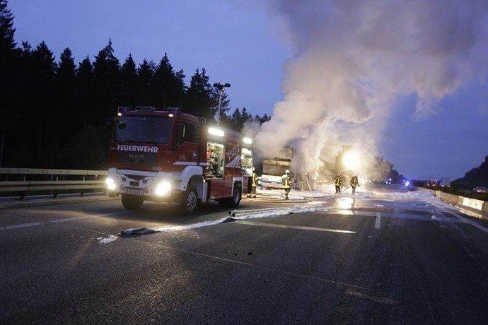 В Германии сгорел автобус, в котором ехала гродненская семья (фото) - фото 4
