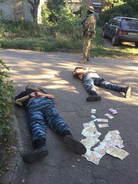 Задержены и под следствием находятся правоохранители, вымогавшие деньги у наркобаронов, фото-1