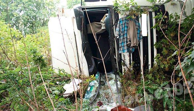 На Тернопільщині перекинулась вантажівка (ФОТО) оновлено (фото) - фото 1