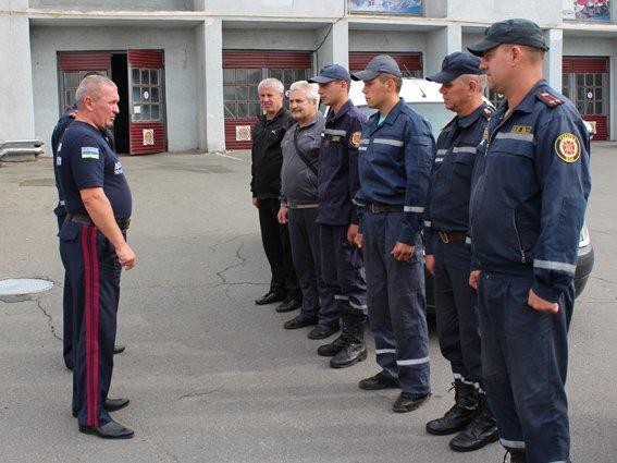 Після майже двомісячного перебування в зоні АТО шестеро рятувальників знову у рідному Хмельницькому, фото-2