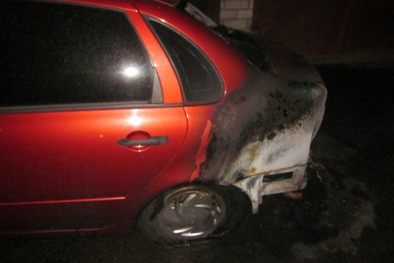 В Кременчуге на Молодежном опять горели автомобили (фото) - фото 1