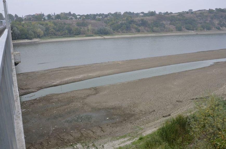 Рівень води у Дністрі на території Буковини упав до критичної точки (ФОТО), фото-1