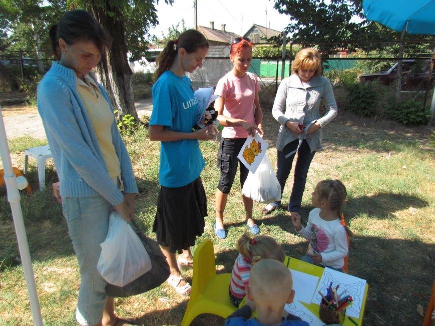 В Мариуполе ООН передала подарки детям из малообеспеченных семей (ФОТО), фото-4