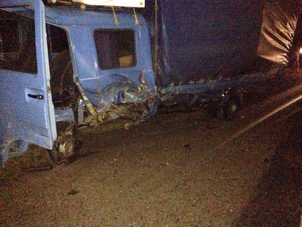 На трассе М6 автомобиль съехал в кювет, а когда начал выезжать - попал под грузовой микроавтобус (фото) - фото 4