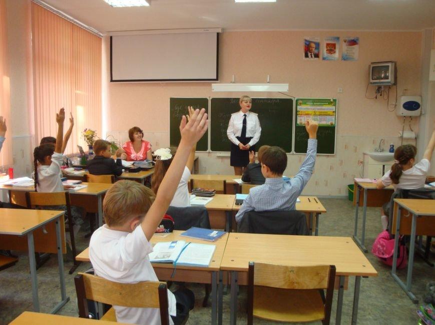 Школьники Волгограда обеспокоены безопасностью детей на дорогах (фото) - фото 4