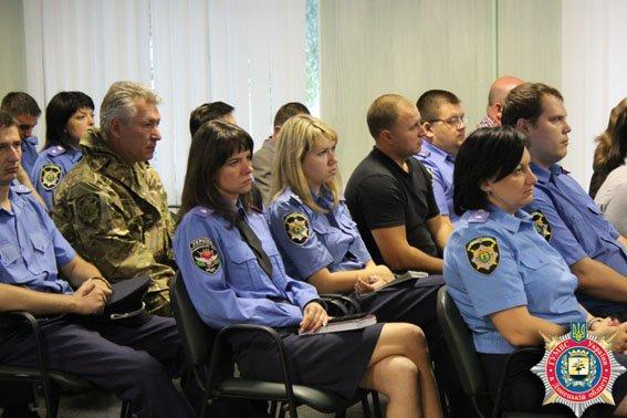 В Славянскую полицию попадут только достойные (фото) - фото 1