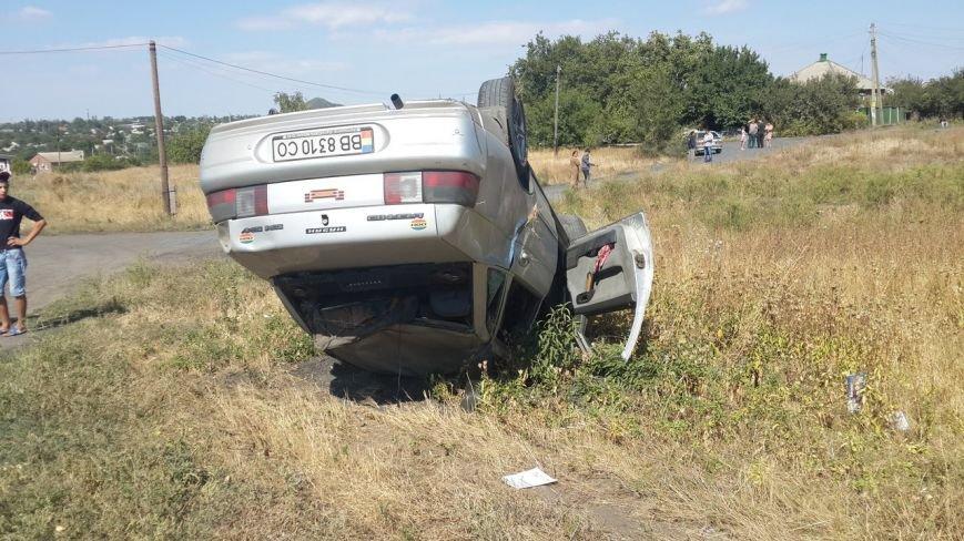 В Новошахтинске перевернулся ВАЗ-2110 - водитель в тяжелом состоянии (фото) - фото 1