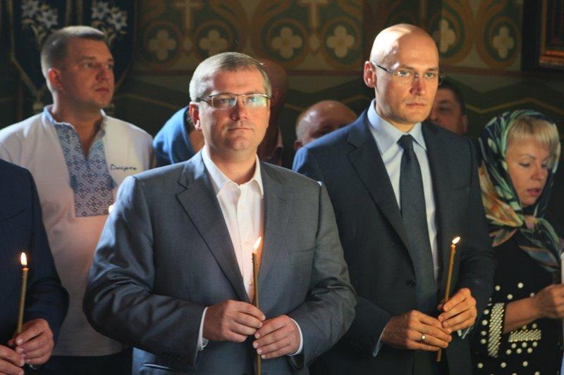В День города в Днепропетровске прошел Крестный ход во имя мира и развития (ФОТО) (фото) - фото 3