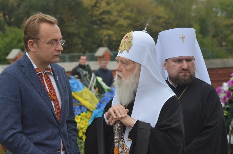Патріарх Філарет помолився на Личаківському кладовищі за Новітніх Героїв України (фото) - фото 6