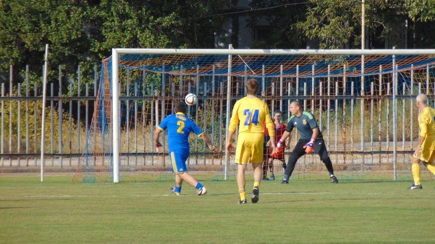 На стадионе «Западный»  в Мариуполе звезды футбола Украины встретились с командой пограничников зоны  АТО (ФОТОФАКТ) (фото) - фото 6