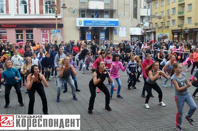 Як івано-франківці День спорту святкували (фото) - фото 2